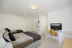 Studio-Apartment-Accommodation-Noosa-3